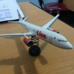 Mniatur pesawat Lion Air